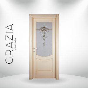 Porta laccata anticata con vetro